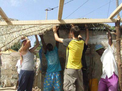 Building shelter in Senegal