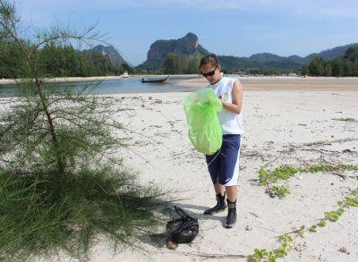 Removing debris from the beach is key to oceanic health