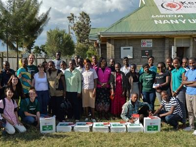 Projects Abroad local partners from Nanyuki with their new first aid kits donated by Irish medical volunteer Annie Doran. Standing beside them are Projects Abroad medical volunteers.