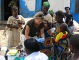 Volunteers Help Ivorian Refugees in Ghana