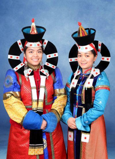 Macaulay Honors College students explore the colorful traditional Mongolian dress
