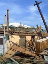 Emergenza tifone nelle Filippine, stage all'estero, testimonianze dei volontari - Newsletter novembre 2013