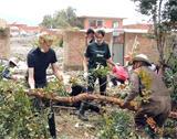 Frivillige i Bolivia hjelper flomrammede familier