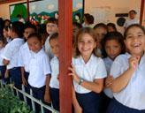 Vor dem Klassenzimmer