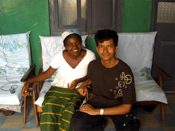 Freiwilliger mit Gastmutter