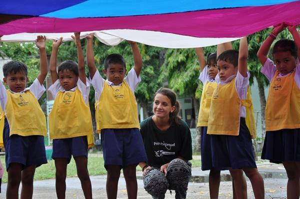 Freiwillige im Sozialarbeits - Projekt