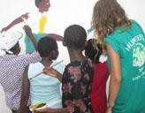 Freiwillige malt