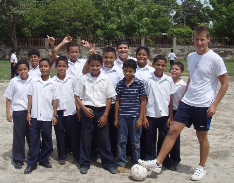 Frivillig fodboldtræner i Costa Rica