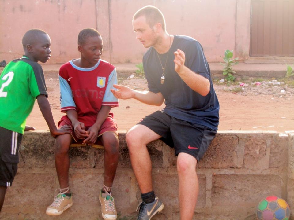 Fodboldtræning i Ghana