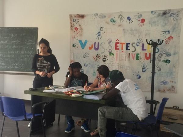Flygtninge bliver undervist i Italien