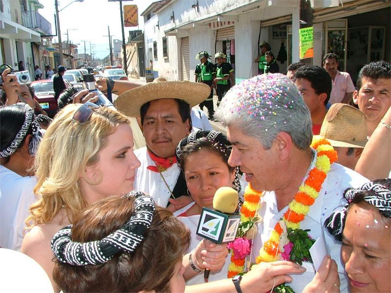 Journalistpraktikant interviewer i Mexico