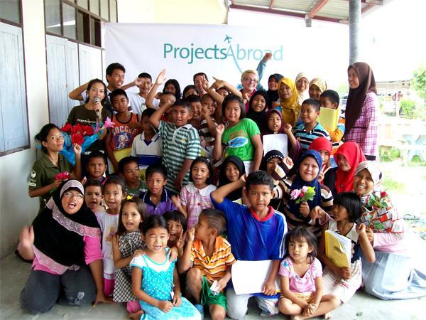 Frivillige lærere på arbejde i Thailand