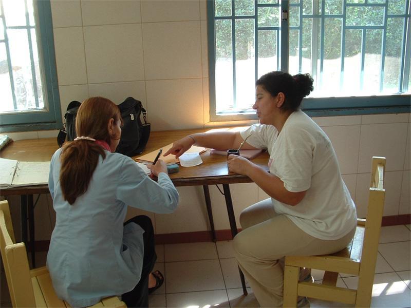 Volontaire pendant un cours d'espagnol