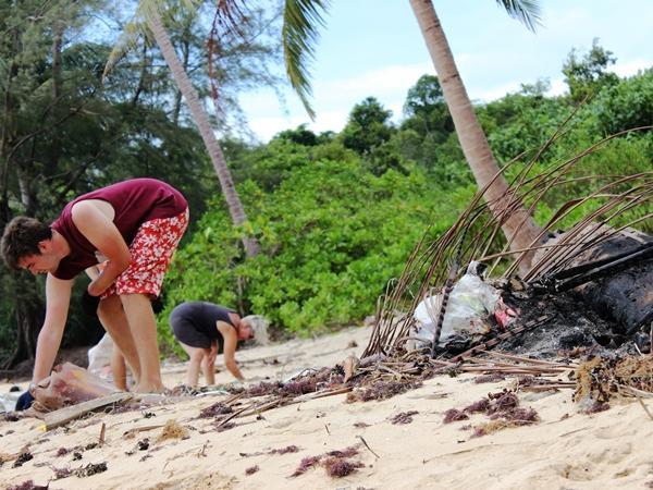Beach clean-up on Koh Sdach Island, Cambodia