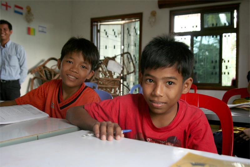 Étudiants en classe au Cambodge