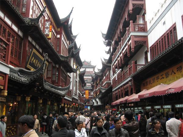 Rue bondée à Shanghai