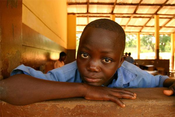 Élève dans une école au Ghana