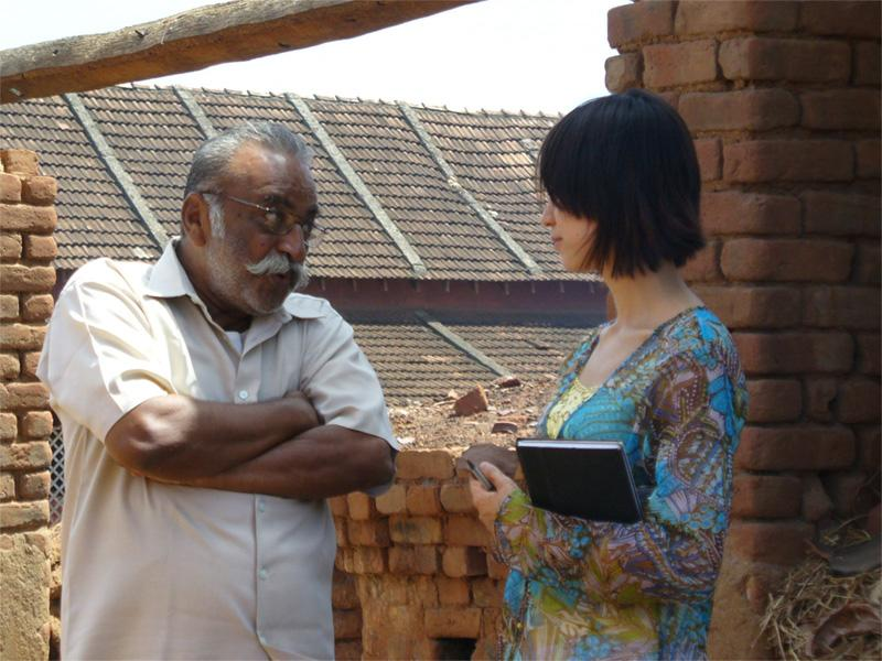 Stagiaire en journalisme en Inde en plein entrevue