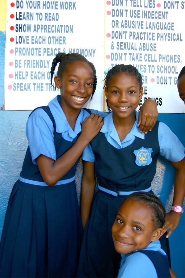 Élèves à l'école en Jamaïque