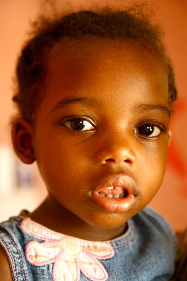 Enfant sur une mission humanitaire en Jamaïque