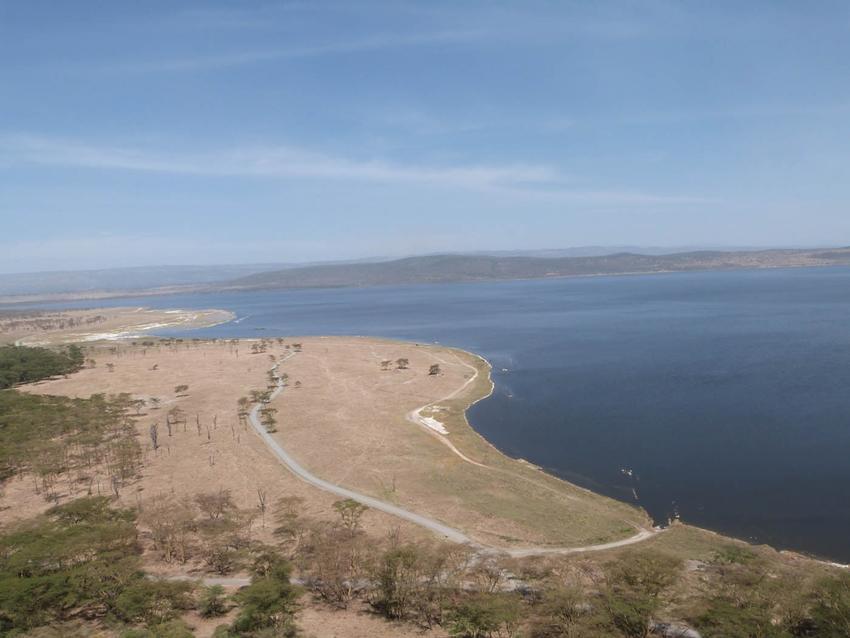 Paysage, vu du lac au Kenya