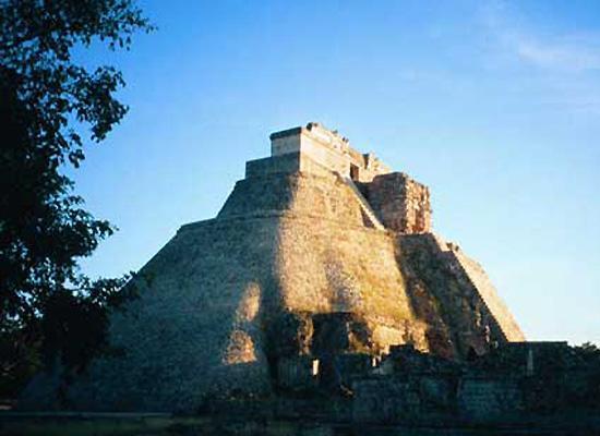 The Piramid el Adivino