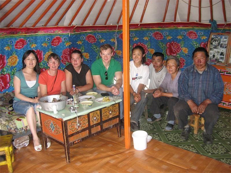 A l'intérieur d'une yourte sur le projet nomade en Mongolie