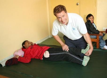 Volontaire sur un stage en physiothérapie au Népal