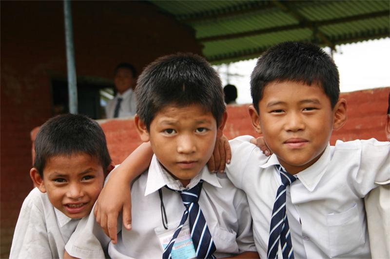 Groupe d'enfants à l'école au Népal