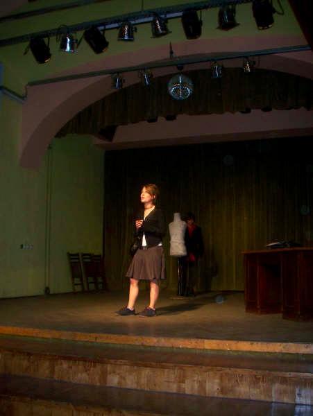 Répétition de théâtre sur la mission culture et communauté en Roumanie