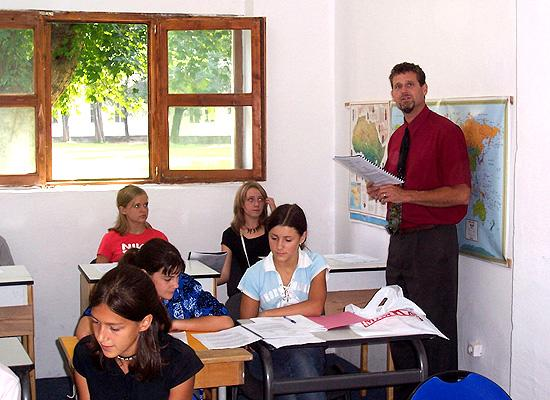 Voluteer teaching to class