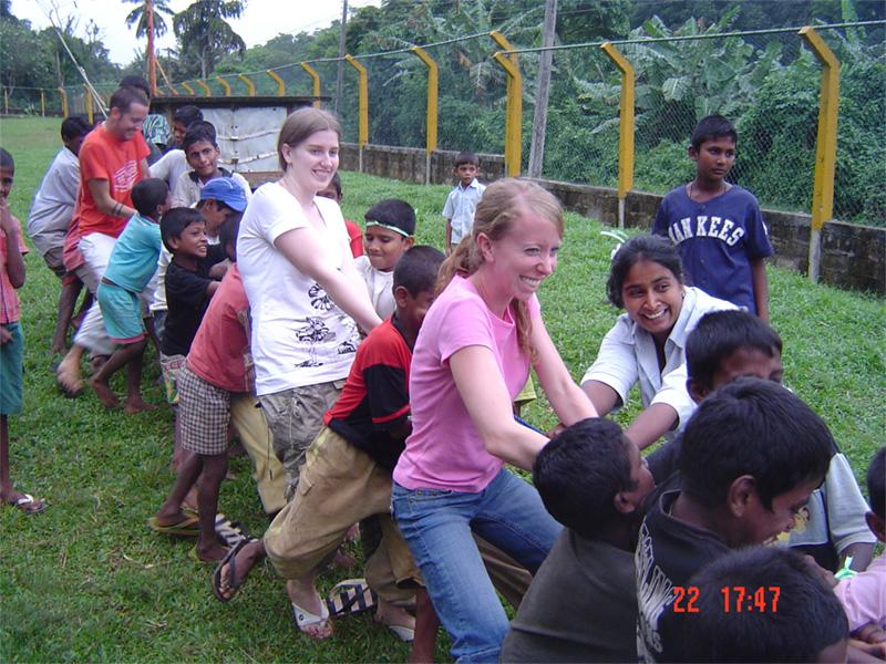 Volontaires sur une mission humanitaire au Sri Lanka