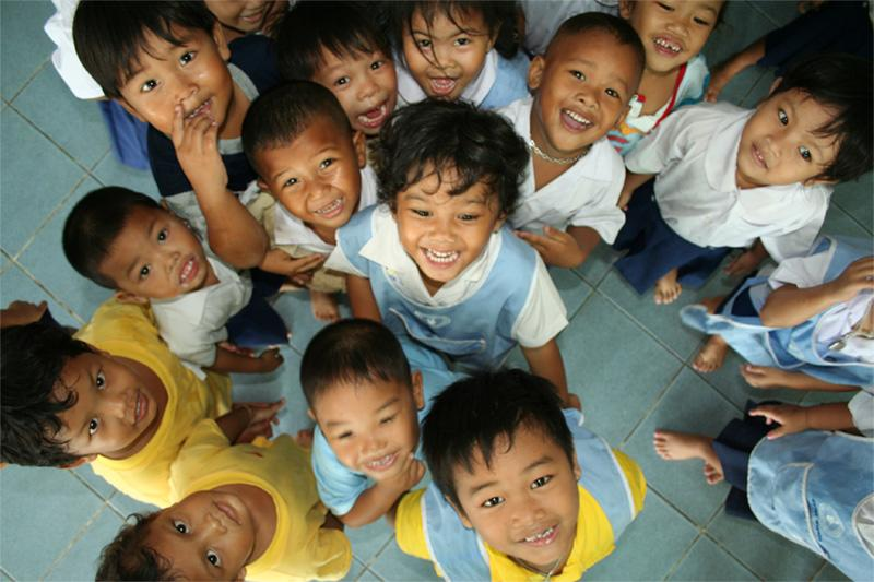 Groupe d'enfants en Thaïlande
