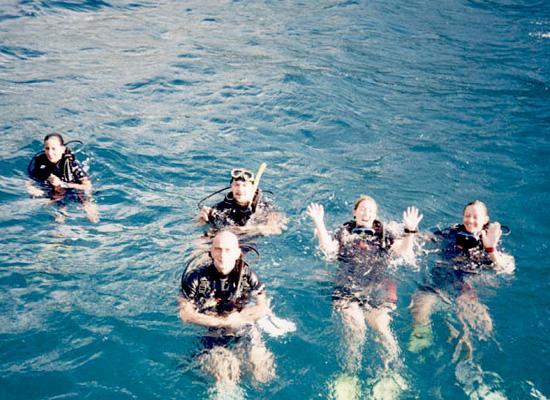 Happy Divers and Volunteers