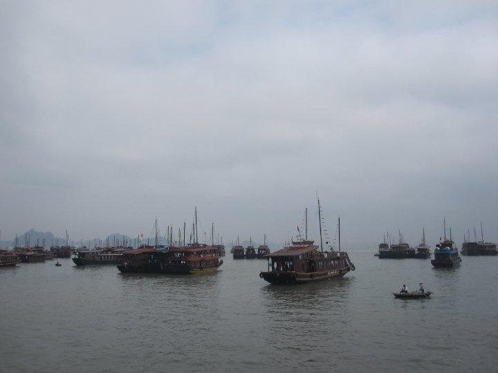 Bâteaux sur l'eau au Vietnam