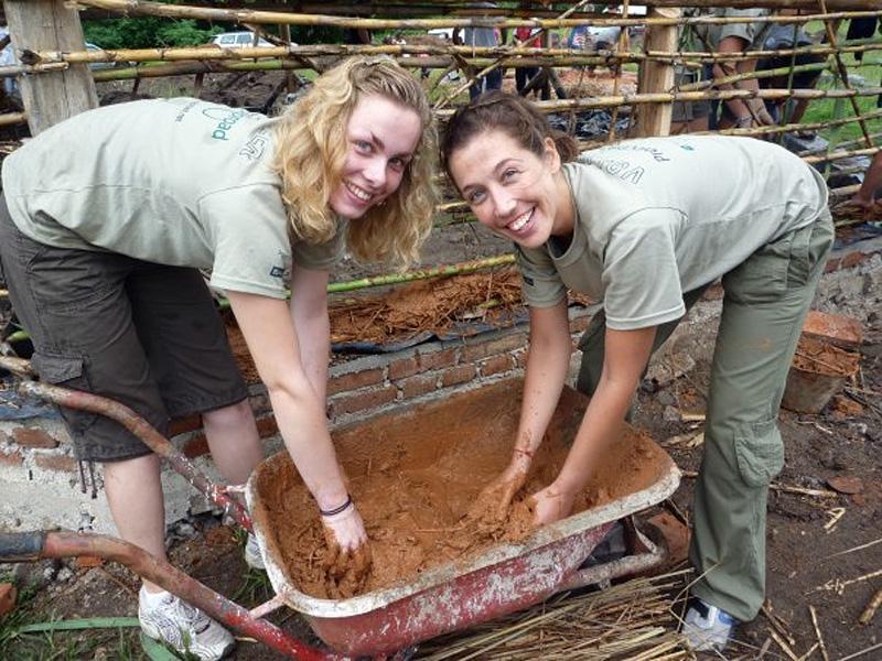 Volontaires sur un chantier