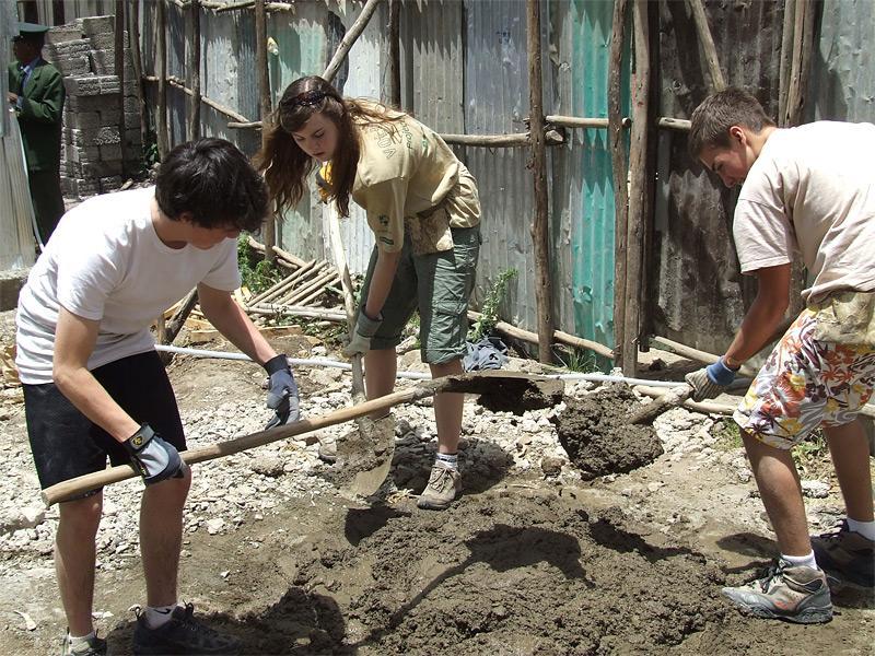 Jeunes volontaires sur un chantier