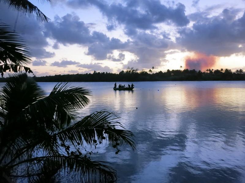 Vue sur un lac dans le pacifique aux îles Fidji