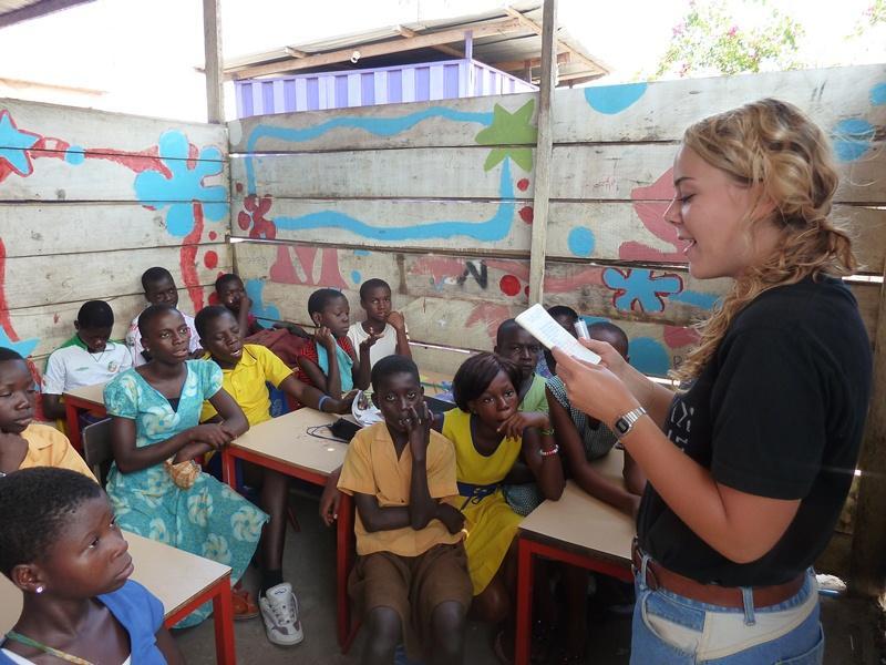 Enseignante bénévole