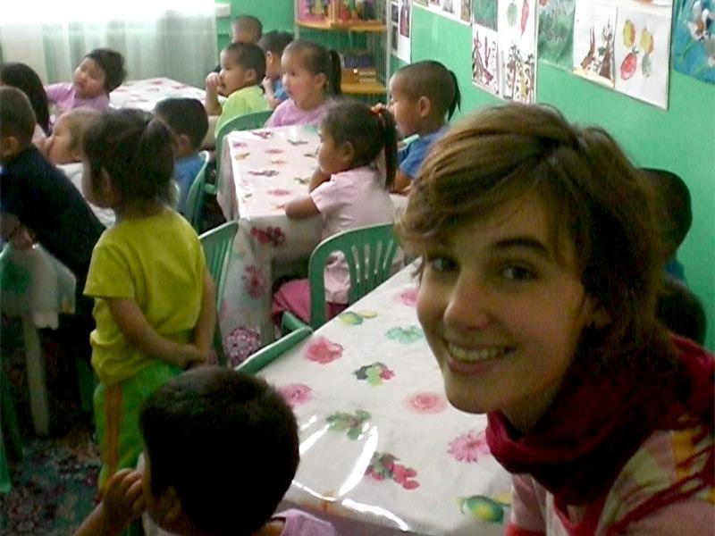 Volontaire humanitaire auprès d'enfants