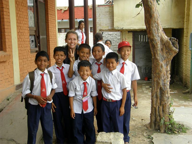 Bénévole auprès d'un groupe d'élèves