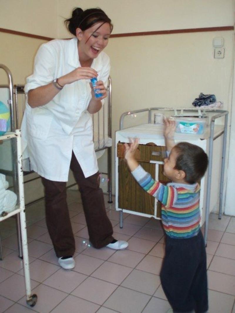 Bénévole auprès d'un enfant