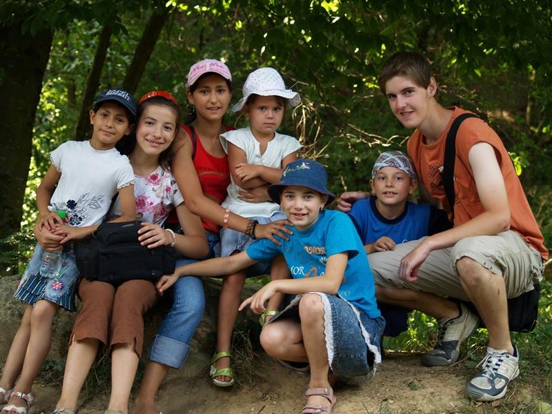 Volontaire en aide humanitaire