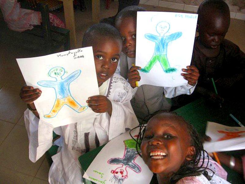 Activité dessin humanitaire