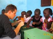 Atelier travaux manuels humanitaire