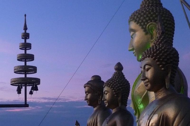 Représentation de statues bouddhistes