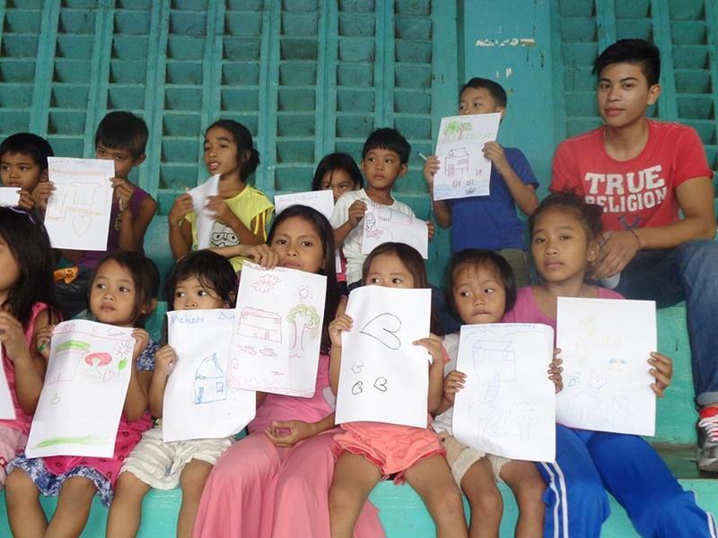 Volontariato nelle scuole alle Filippinee