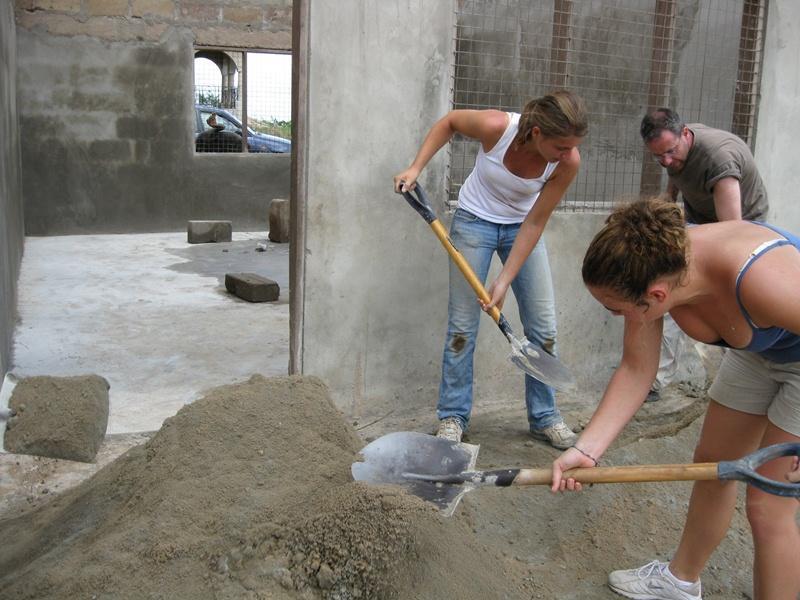 Volontariato in Ghana - costruzioni