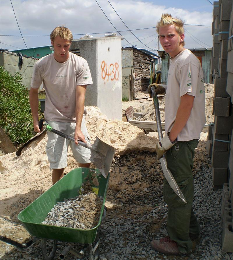 Volontariato Costruzioni