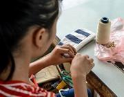 Un artigiano locale in Vietnam